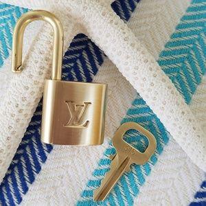 Louis Vuitton Lockset Lock & Key # 315